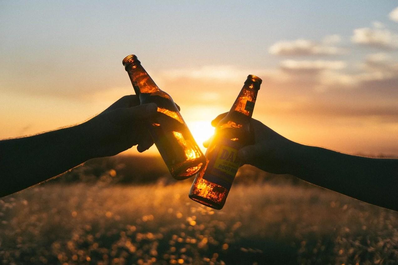 To øl der skåler